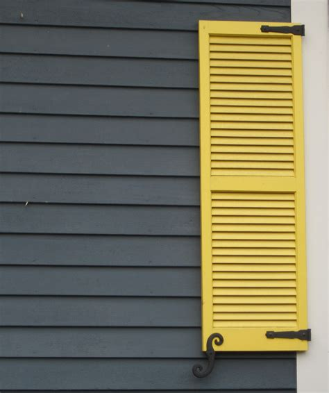shutter paint colors house and trim colors that make a statement siding colors exterior and curb appeal