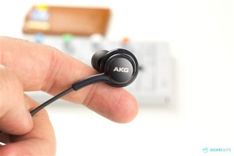 Headset Akg Samsung S8 these akg earbuds come free with the samsung galaxy s8 sound guys