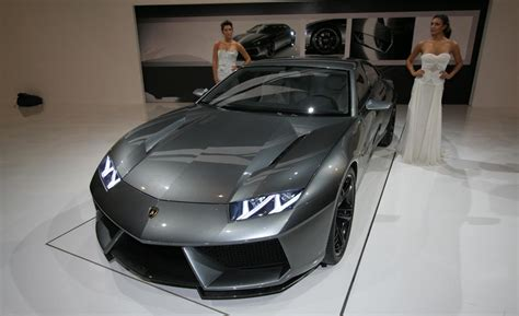 5 Door Lamborghini Lamborghini Estoque Four Door 170mph Concept In Showrooms