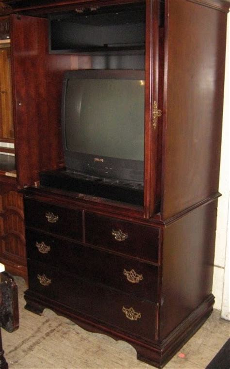 Thomasville Bedroom Furniture Armoire Uhuru Furniture Collectibles Thomasville Tv Armoires Sold