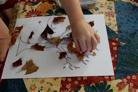 craft projects with leaves 8 leaf activities for preschoolers teaching