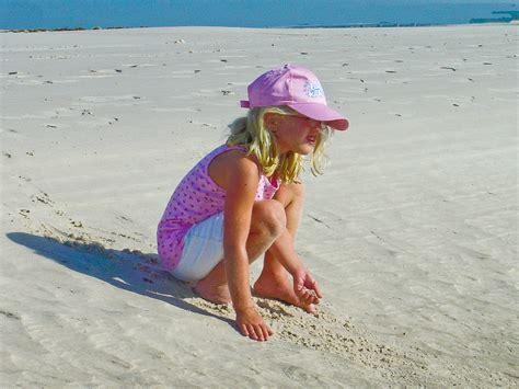 little girl models beach little girls on beach images usseek com