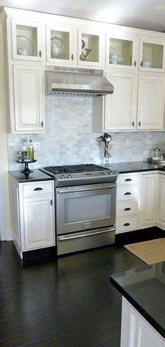 marble subway tile backsplash love home ideas pinterest kitchens behr dolphin fin white cabinets steel gray