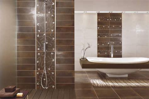 Moderne Badezimmer Fliesen Bilder by Die Besten 25 Badezimmer Fliesen Ideen Auf