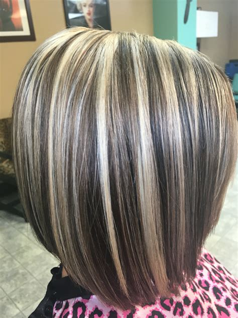bob hair with high lights and lowlights ombre hair color trends is the silver grannyhair style