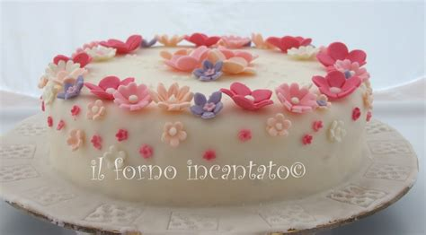 fiori pasta zucchero torta con fiori in pasta di zucchero torte decorate pdz