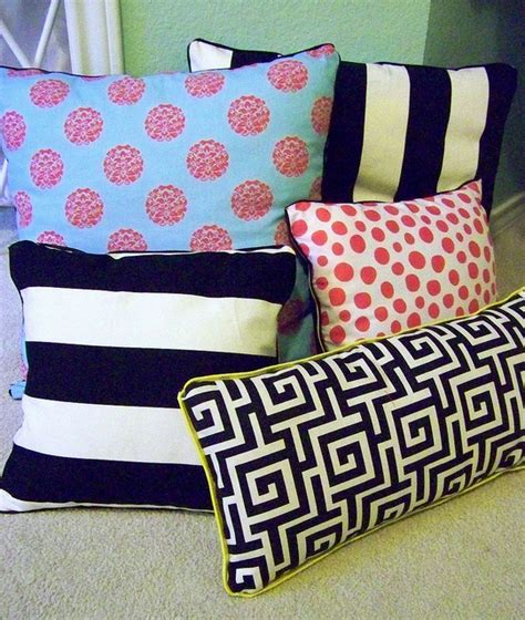 sewing throw pillows diy no sew pillows allfreesewing