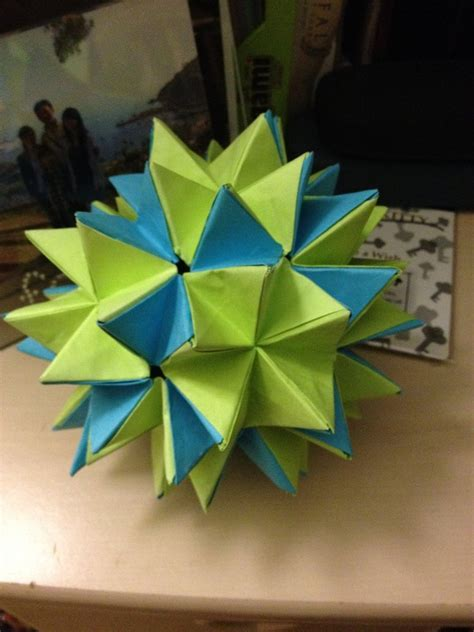 Spike Origami - convertable spike kusudama by dengekidaisy0609 on