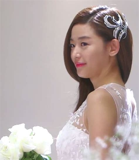 quot the dress quot drama celebs brands and the frock which cheon song yi hair style cheon song yi s wedding dress
