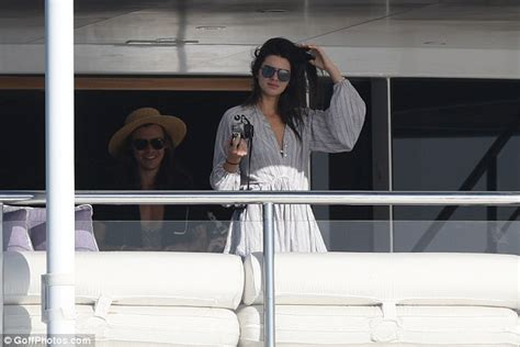 harry styles tattoo for kendall jenner kendall jenner grabs coffee after yacht getaway with harry