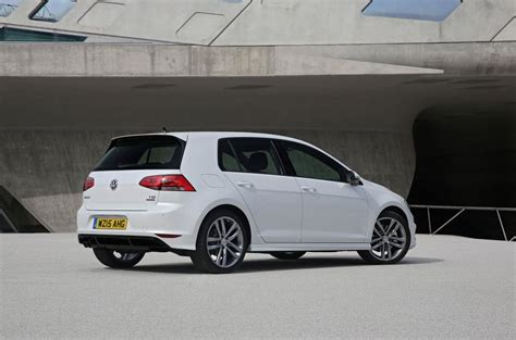 volkswagen golf  tsi    review review