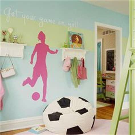 soccer bedrooms for girls 1000 ideas about soccer bedroom on pinterest soccer
