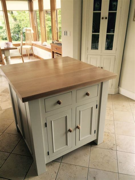 solid wood kitchen islands 1000 ideas about solid wood kitchens on