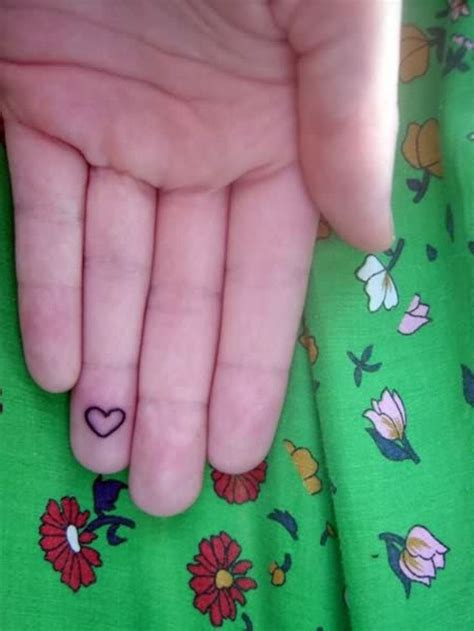 tattoo on pad of finger 25 best ideas about heart tattoo on finger on pinterest