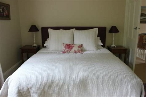 king bed picture of coombe farm bed and breakfast