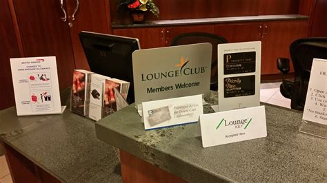 Here's What Makes an Airport Lounge Truly Sad: The Club at PHX   View from the Wing