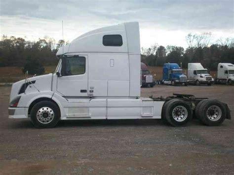 volvo 2011 truck volvo vnl 2011 sleeper semi trucks
