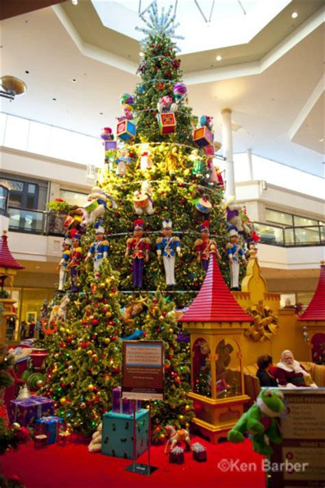 christmas displays near king of prussia king of prussia mall decorations photos