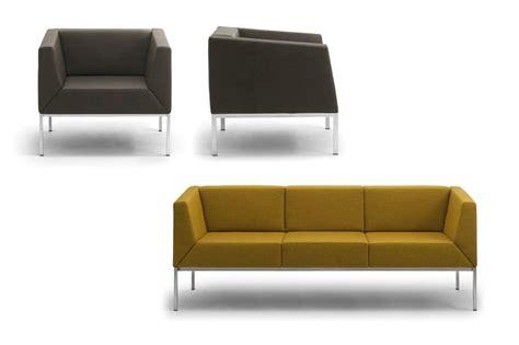 divanetti moderni divano con piedini in metallo per salotto moderno idfdesign
