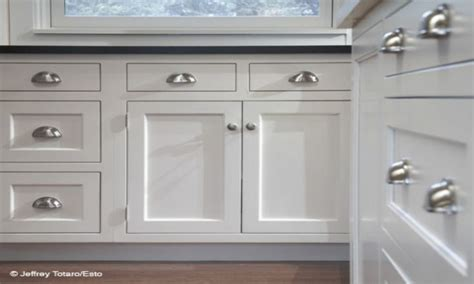 kitchen cabinet cup pulls 1000 ideas about kitchen cabinet pulls on pinterest