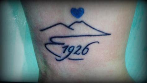 foto tattoo napoli la tifosa e il vesuvio 1926