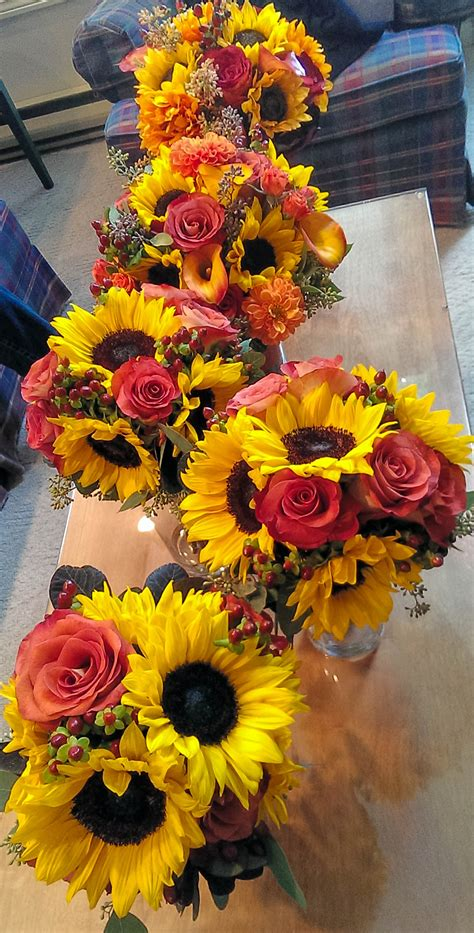 Fall Flower Wedding Arrangements by Sunflowers Roses Burlap Baby S Breath