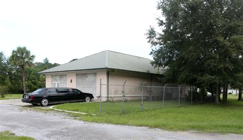 Founds Funeral Home by Florida Funeral Home Workers Charged After 16 Decomposing