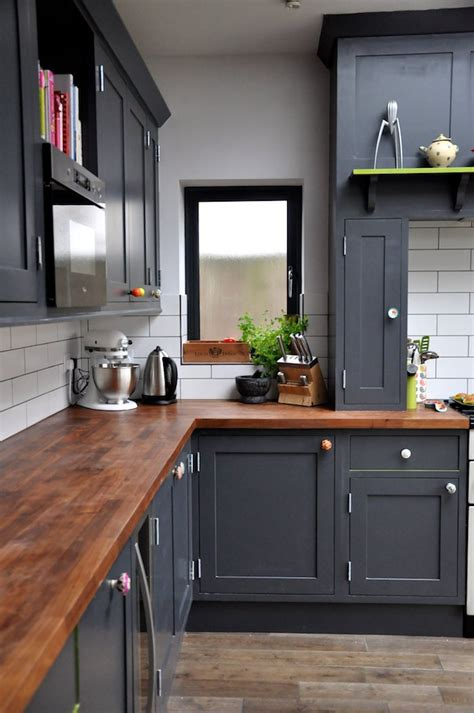 rustic kitchen cabinets lowes an old snob has a change of heart over laminate products