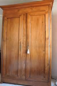 armoire merisier louis philippe clasf