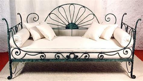 ottomana divano divano in ferro battuto e tessuto sardo