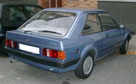 ford escorts file ford rear 20071017 jpg wikimedia commons