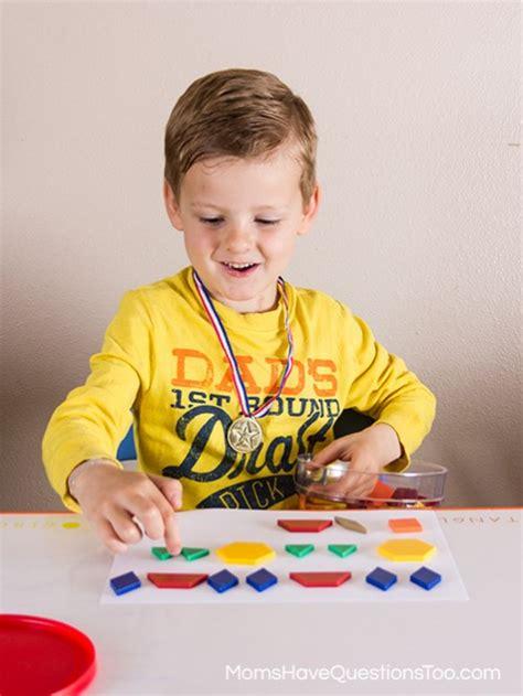 kindergarten pattern making making patterns with pattern blocks for preschoolers