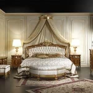 impressionante Stanza Da Letto Classica #1: 523-classic-walnut-bedroom-2011_0.jpg?itok=K4xZ4Ewa