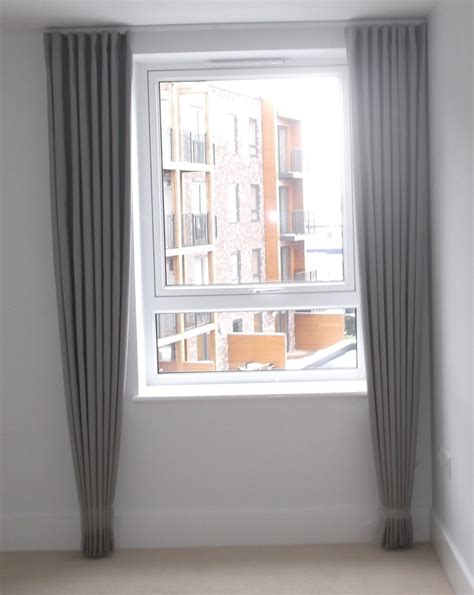 Curtains From Ceiling To Floor Floor To Ceiling Curtains Cortinas Ceiling Curtains Ceilings And Curtains
