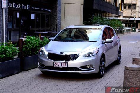 2013 Kia Cerato Hatch Kia Cerato Review 2013 Kia Cerato Hatch