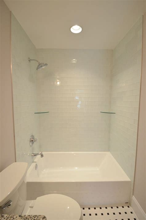 Tile Bathtub Shower Combo by 25 Best Ideas About Tub Shower Combo On