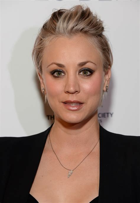 why did kalie cuoco have her hair cut short kaley cuoco dyes her hair and eyebrows dark pink life