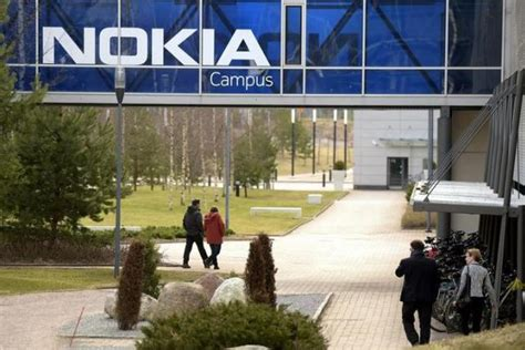 mobile reuters nokia name to return to mobile phones after licensing deal