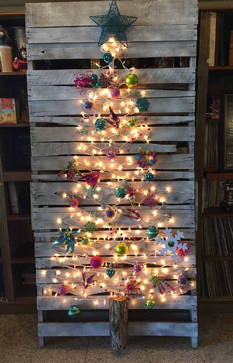 xmas pallet decor top 20 pallet christmas tree designs to pursue