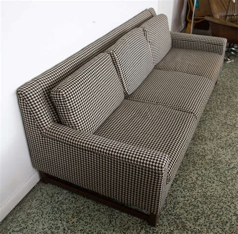 houndstooth sofa midcentury houndstooth sofa at 1stdibs