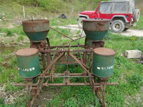 oliver 2 row corn planter yesterday s tractors 229928
