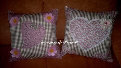come fare cuscini per divano cuscini divano fai da te manifantasia