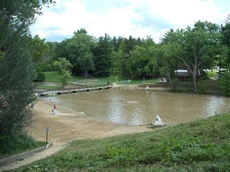 hinckley lake boat house picture of hinckley reservation - Hinckley Ohio Boat Rentals