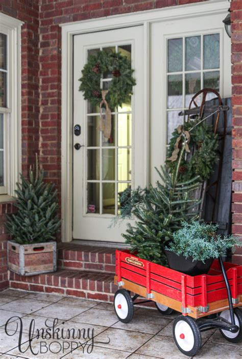 Tiny House With Basement christmas and holiday decorating ideas from 32 top home
