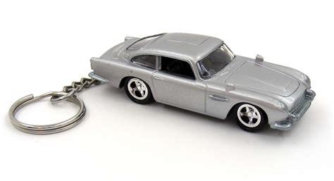 aston martin key chain custom keychain bond 007 goldeneye aston martin db5