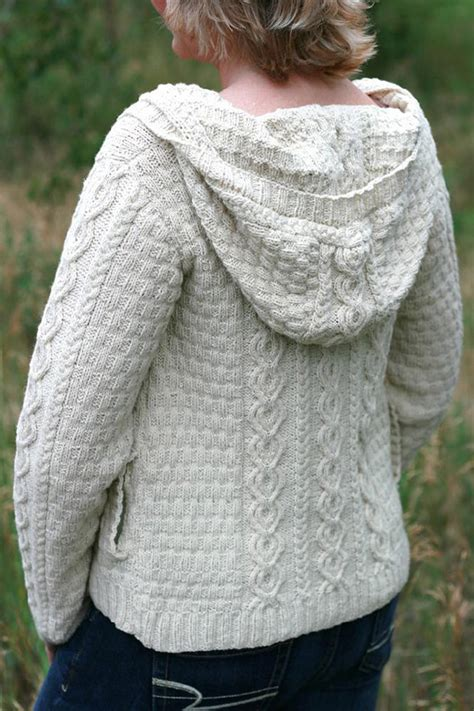 Plus Size Knitting Patterns That Will Make You Swoon
