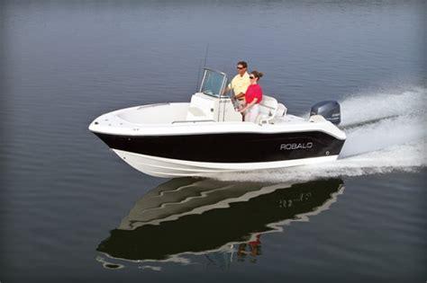 robalo boats construction 187 robalo r180 small center console big attitude