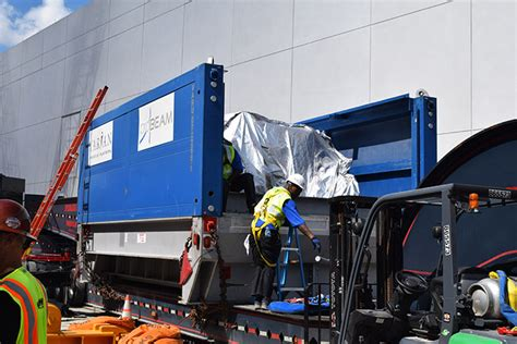 Hton Proton Center by 90 Ton Cyclotron Installed At Emory Proton Therapy Center
