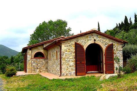 casali toscani interni toscana immobiliare s a s vende rustici casali e poderi