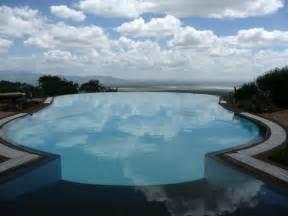 amazing pools amazing swimming pools 21 pics